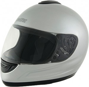 Helm mit geschlossener Kinnfront